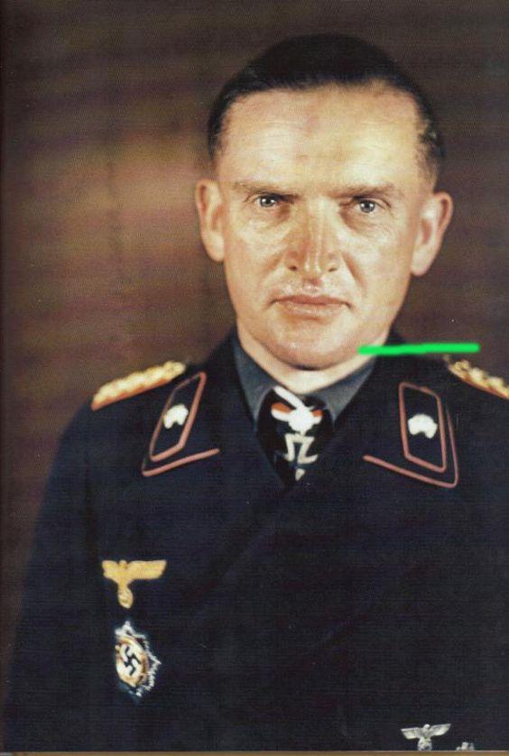 Karl Decker after receiving Eichenlaub. Eichenlaubträger, Heer General der Panzertruppe, Ritterkreuzträger, Schwerternträger