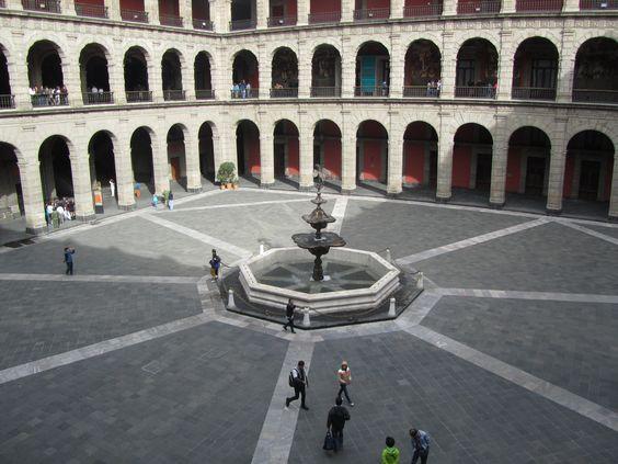 Patio interno del #PalaciodeGobierno en #Mexico DF.