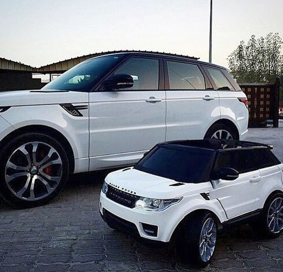 Arians Range Rover Needs A Paint Job... This Would Look