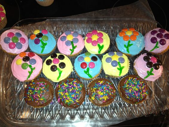Cupcakes I made with help from friends:)  For last day of work!