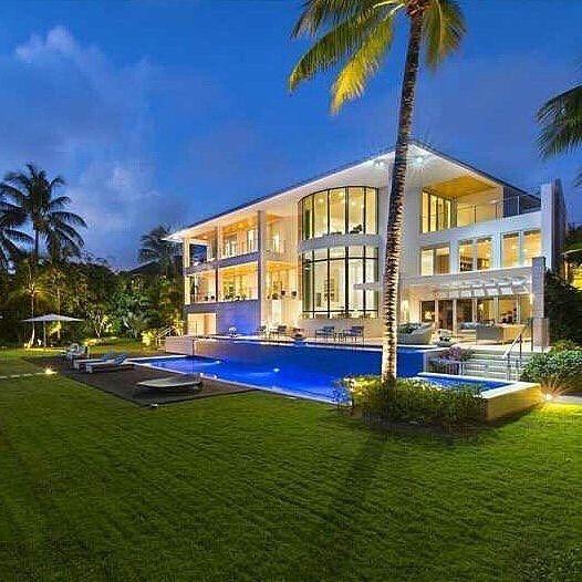 designer luxury homes. Enchanting Designer Luxury Home By Architect Richard Meier  Located On Beautiful Mashta Island Iglesiasrealtygroup The Noble House Real Estate S