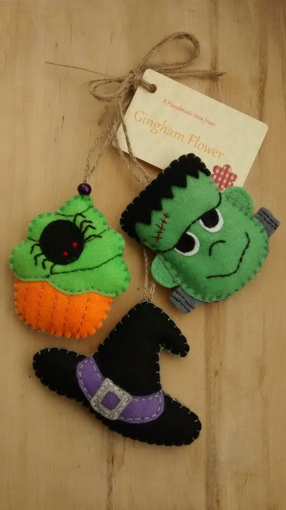 Set of 3 felt Halloween hanging decoration tree by GinghamFlower