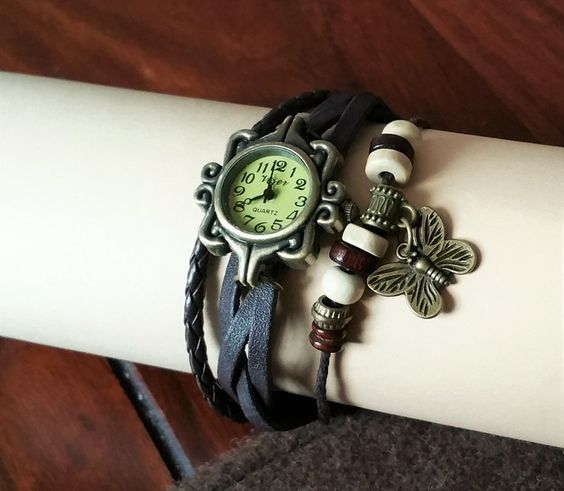 Hot-Lady+Vintage+Leder-Armbanduhr++schwarz+CA123+von+Atelier+Regina++auf+DaWanda.com