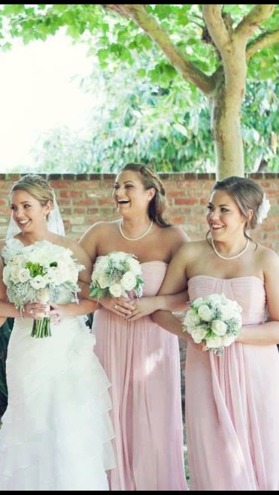 Shape of flowers and bridesmaid jewellery