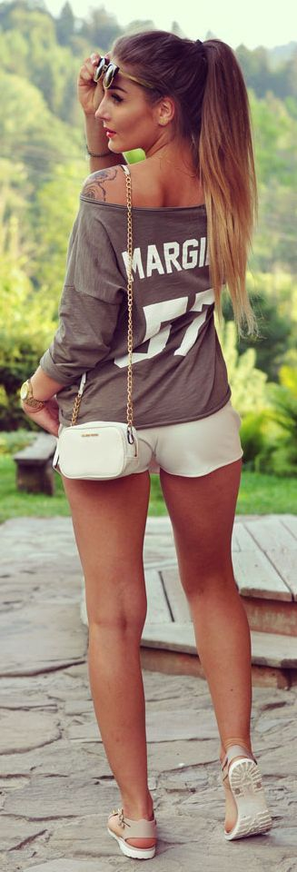 Styleev Taupe And Hwite Sporty Casual Outfit Idea #Fashionistas