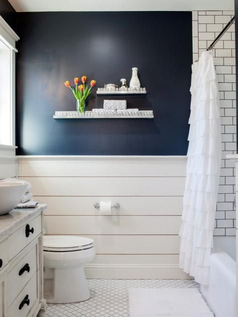 17 Staggering Bathroom Wainscoting Green Ideas Farmhouse Bathroom Decor Shiplap Bathroom Bathrooms Remodel