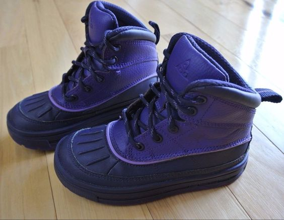 boys nike acg boots