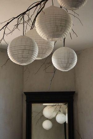 Lustre sans la branche mais plusieurs lanternes en for Lustre en papier