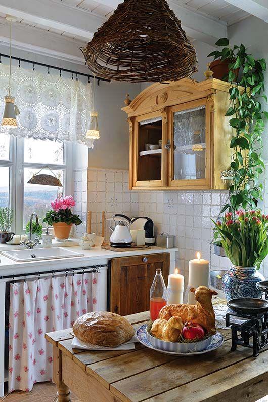 Kuchnia W Stylu Rustykalnym W Domu Pod Aniolami Domnawsi Stylcountry Stylrustykalny Drewno Rustykalnemeb Country Kitchen Home Kitchens Home Decor Kitchen