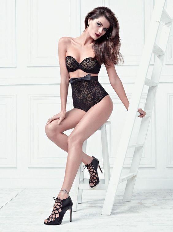 High quality photo of Isabeli Fontana