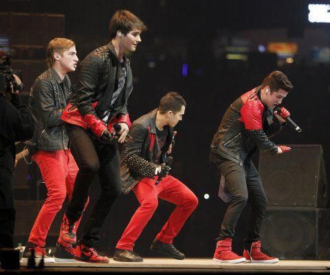 I Swear Lyrics And Video Performance By All 4 One Big Time Rush