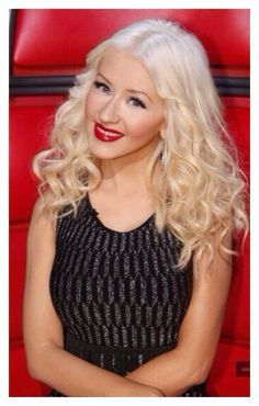 Red Lips, Blonde Hair <3 | 100% Remy Clip in human hair extensions| Prices start from just £34.99| 45 shades available | Extra thick double wefted | Free worldwide delivery | visit www.cliphair.co.uk