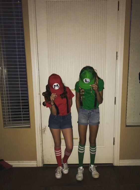 Best Two Person Halloween Costumes.50 Best Friends Halloween Costumes For Two People That Ll Make Your Duo Steal The Sho Duo Halloween Costumes Halloween Costumes Friends Bff Halloween Costumes
