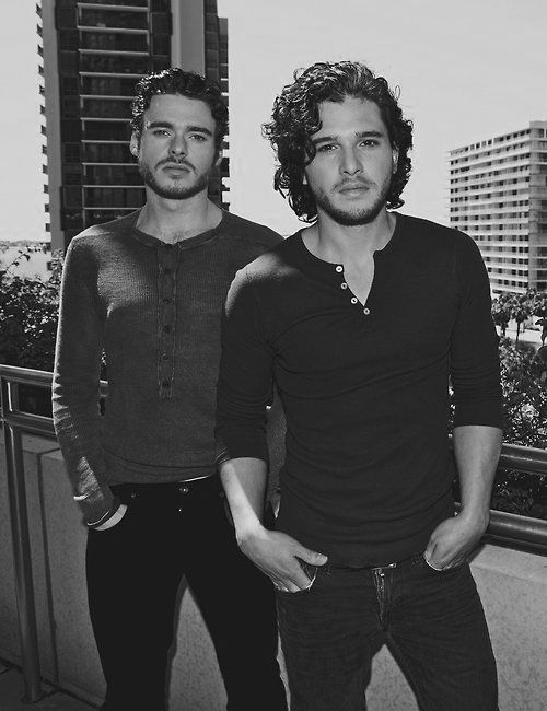 Omg!!😝😍🗡 Richard Madden & Kit Harington  My Stark boys!☺️👑❤️