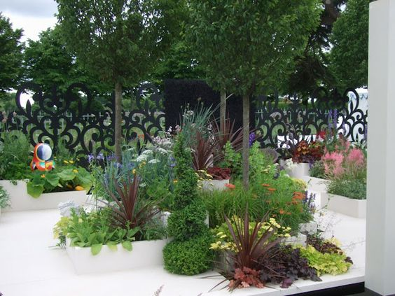 Alternative Eden Exotic Garden: A Look Back at 2012 RHS Hampton Court Flower Show