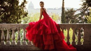 Abiti da sposa rossi: amore, passione e seduzione!