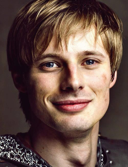 bradley james smile - photo #36