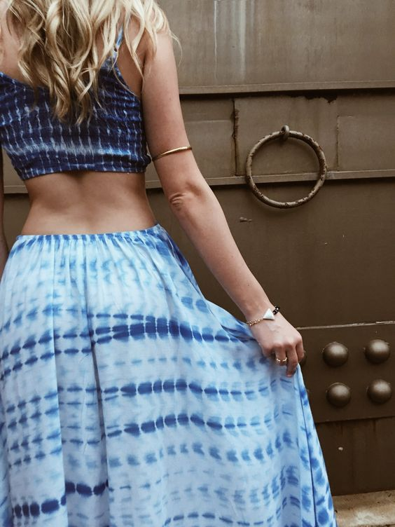 Let's keep the festive style going!  #charmesilkiner #aotd #blue #adonia #greece