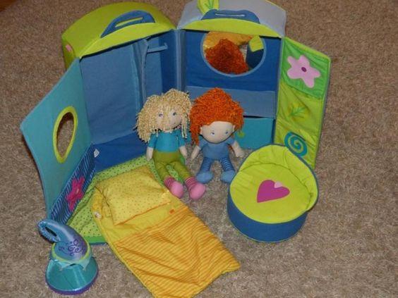 Hier verkaufe ich ein gebrauchtes HABA Puppenhaus mit Zubehör. Es ist in einem…