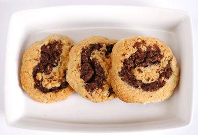 http://www.unbiscottoalgiorno.com/2011/09/biscotti-bicolor.html