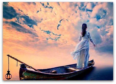 """Cuando en un momento de tu vida no sepas qué decisión tomar, cuando las dudas te asalten y creas que la cabeza te va a estallar de tanto pensar si parar o continuar, yo te digo que sigas, hasta el final y con todas sus consecuencias, aunque acabes estrellándote contra una pared. ¿Por qué? Pues por el famoso """"más vale arrepentirse de algo hecho que de algo por hacer"""", y porque al futuro no se llega mirando hacia el pasado de forma intermitente..."""