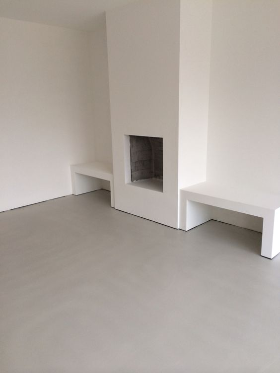 Gietvloer woonkamer floors - Lichtgrijze gang ...