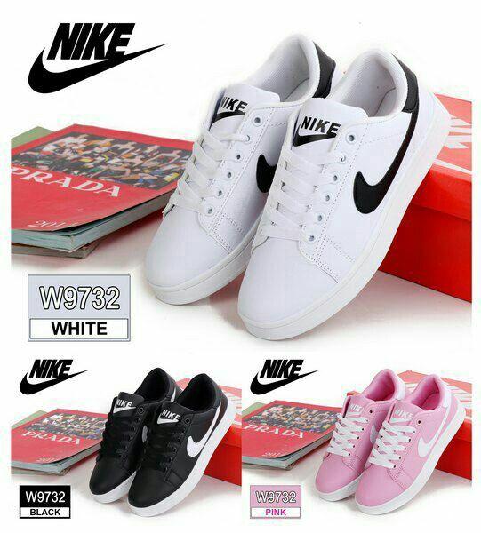 Sneaker Sport Shoes Nike W9732 Bahan Kulit Sintetis Kualitas