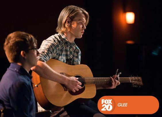 Os garotos  se lembram de Finn com canções emocionantes. Glee - Sábados, 18H30 #SouGleek Confira conteúdo exclusivo no www.foxplay.com