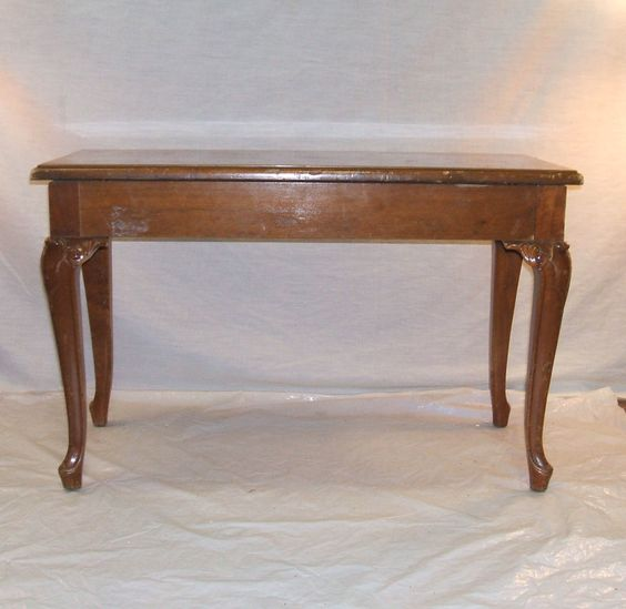 Piano Bench w/ Queen Anne Legs (Narnia 3-A)