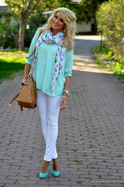 Awesome look. Rainbow skulls are super in and cute. Love the mint heels and leather tote. Ahhhh perfect fall mix. Especially those white skinnies. Comfy and chic