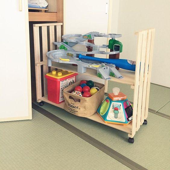 3LDKで、家族の、棚/すのこDIY/押入れ収納/おもちゃ収納/DIYについてのインテリア実例。 「すのこで 押入れ収納...」 (2016-09-06 13:08:38に共有されました)