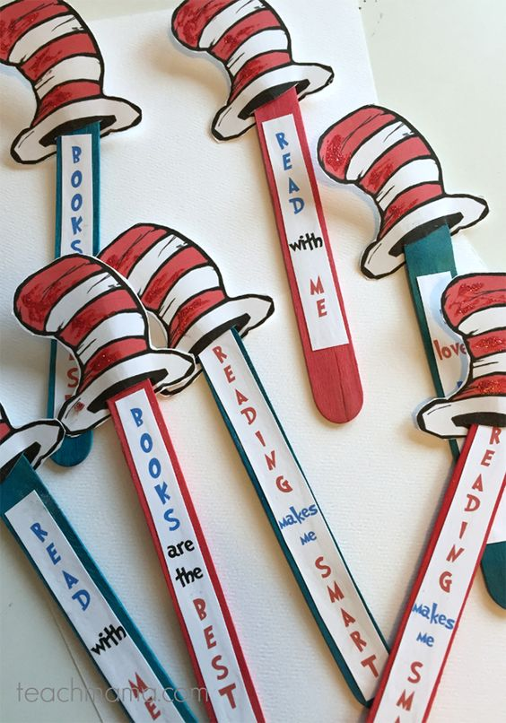 Celebrate Reading Bookmarks --I LOVE these Dr. Seuss bookmarks for Read Across America Day-- or ANY day! Free printable on @myprintly