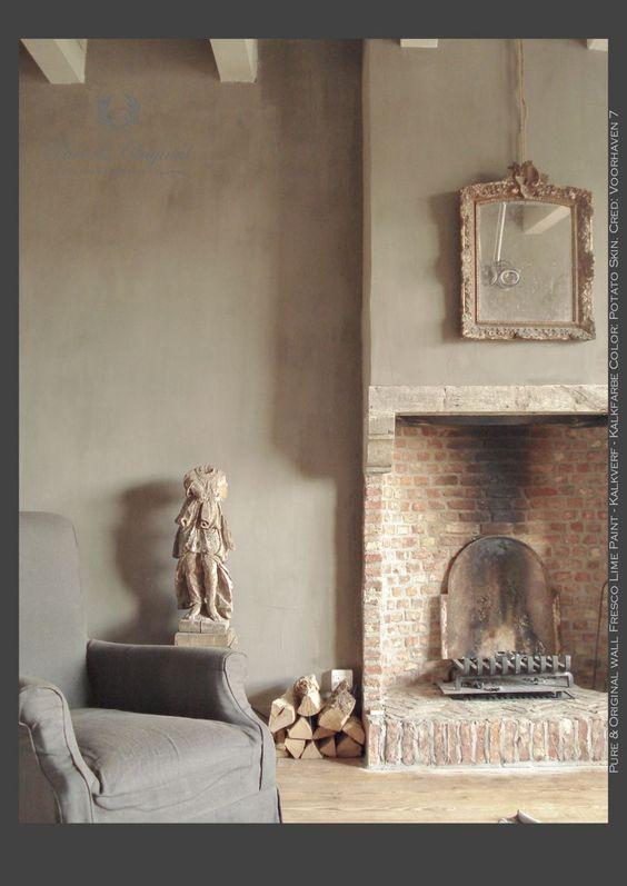 Kalkfarbe im Wohnzimmer Farbe: Potato Skin                                                                                                                                                      Mehr