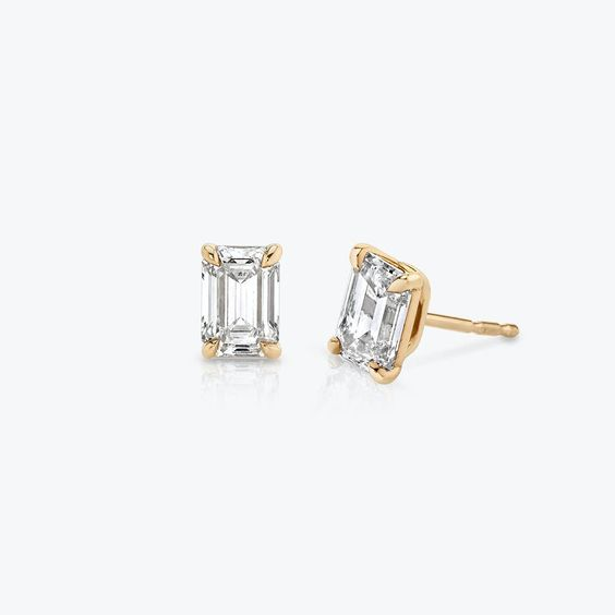Solitaire Diamond Studs | Sustainably created diamonds | VRAI