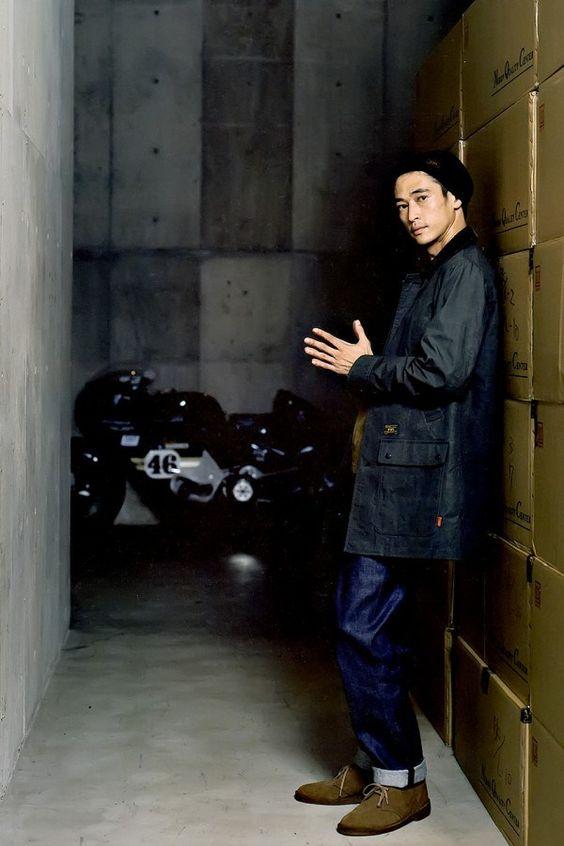 窪塚洋介の黒い衣装