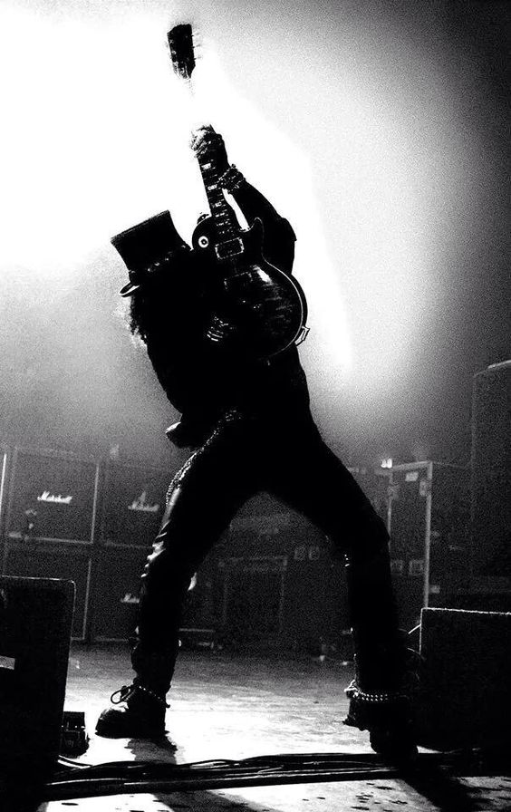 Awesome pic of Slash