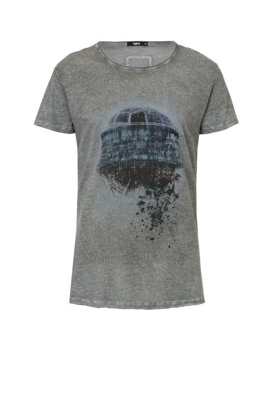 T-Shirt SPHERIC MSN sichert dir durch den klassischen Schnitt und den Stoff aus 100% Baumwolle einen angenehmen Tragekomfort. Der mystische Print verleiht deinem Outfit einen Hauch