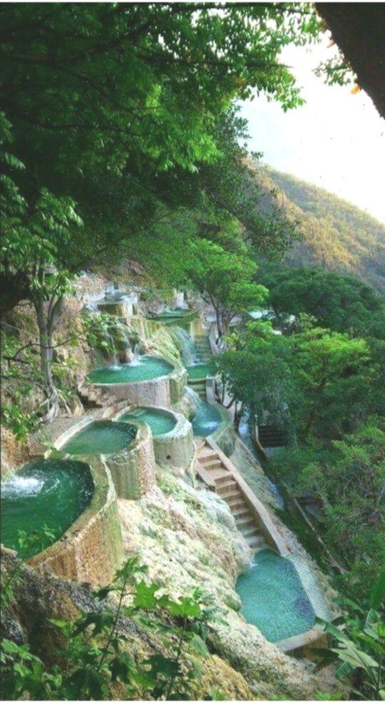 Tolantongo-Höhlen: Ein natürliches Heilbad in den Hidalgo-Bergen #natrlichePools #den #ein #Heilbad #HidalgoBergen #naturalpoolsmexico #naturalpools #natrlichePools #natrliches #TolantongoHhlen