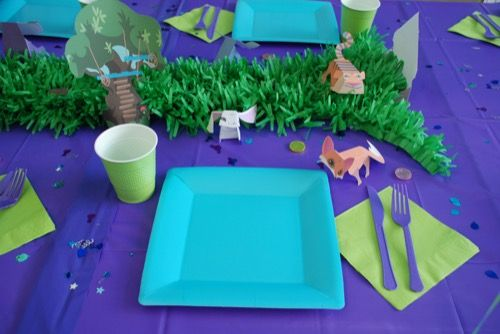 ANIMAL JAM PARTY DECORATIONS  #animaljam #digitaldragon #tablesetting #partysupplies #partyvenue #girlparty #purpleparty