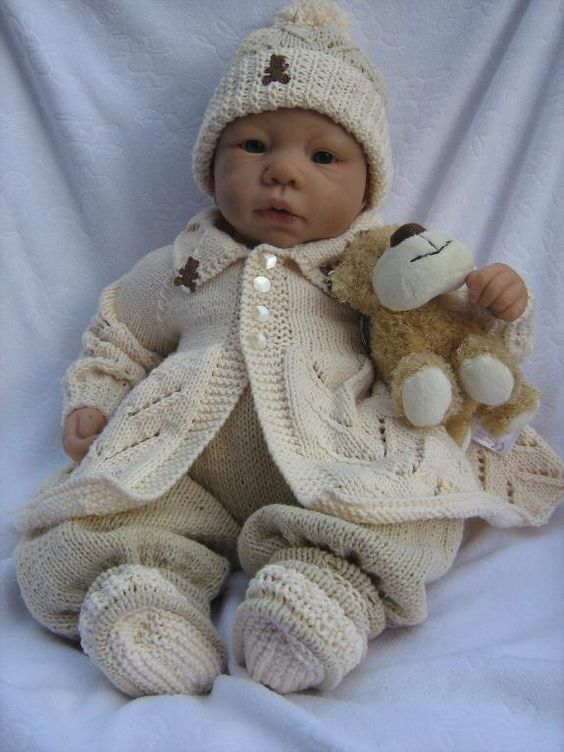 Knitting Baby Clothes : Free knitting month boys matinee set http