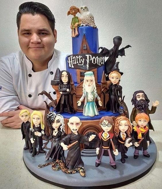 To Say I M Impressed By This Harry Potter Cake Would Be An Understatement Autism Aspergers A Harry Potter Cake Harry Potter Food Harry Potter Birthday Cake