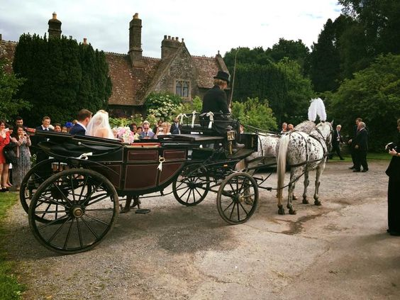 Wedding Horse and Carriages, Wedding Arrivals on Horseback, Horse Drawn Carriages for Special Occasions, Hereford, Herefordshire, Gloucestershire, Powys, Wales, Shropshire, Hay-on-Wye