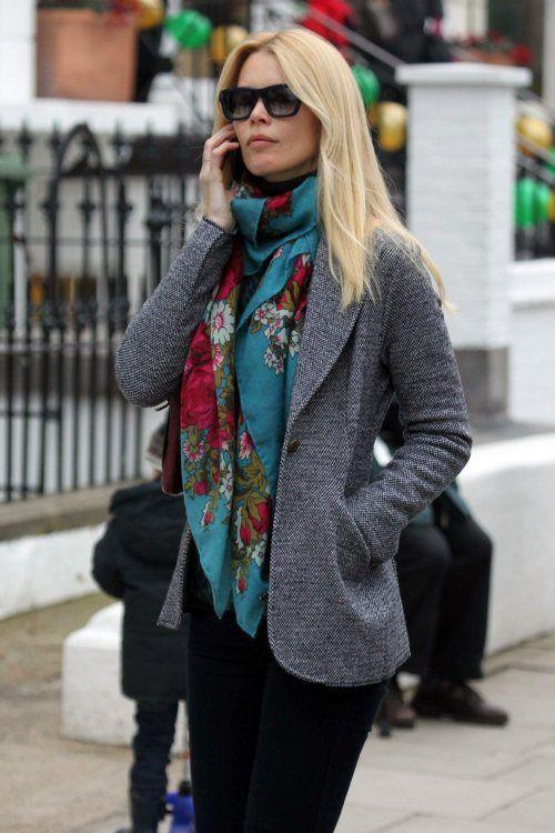 Street Style: Claudia Schiffer & Scarf.