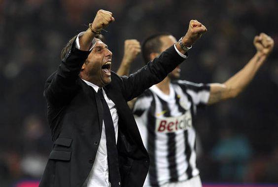 Good sportsmanship  Inter Milan vs. Juventus, in pictures - Oct. 29, 2011