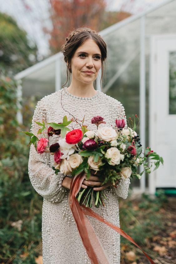 This chic Toronto bride is pretty in pink | Image by Kayla Rocca Photography