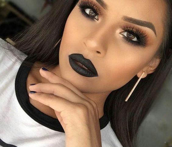 That dark lip