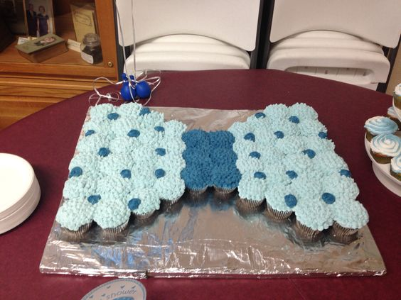 Pull apart cupcake, bow tie.