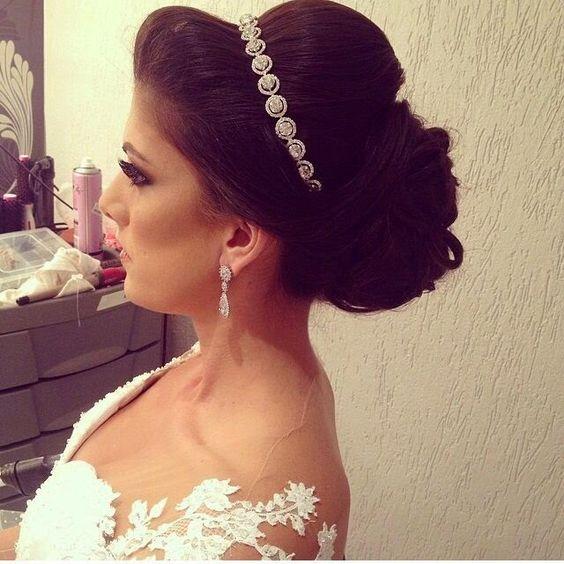 Madrinhas de casamento: Penteados para noivas e madrinhas