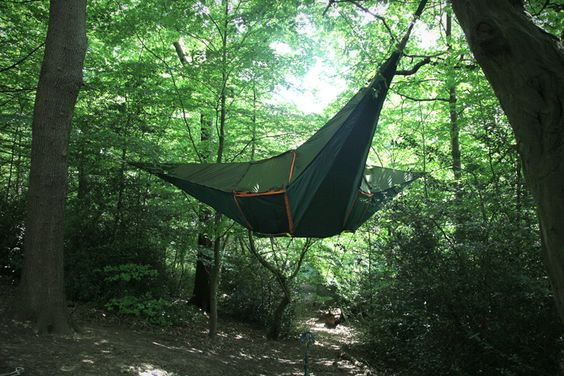 New camping toy - a crazy suspended tent