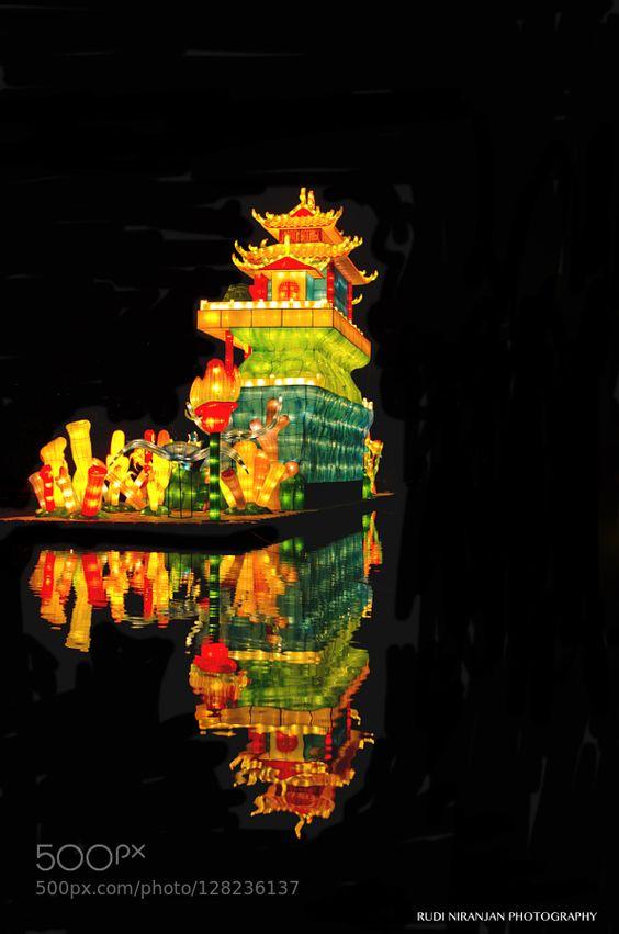 Mid Autumn Festival - Pinned by Mak Khalaf Mid Autumn Festival at Gardens by the Bay Singapore. Performing Arts SingaporeSingapuraSouth East AsiaAwesomeBeautifulBeautyNikon D7000PopularTamronChineseGardens by the BayMBSMarina Bay SandsMid Autumn FestivalNight LightsNight PhotographySingaporeanFestivalColourfulColoursNightNightlightsNightphotographyNightscapeNightshootOrientalReflection by Stills_Studio